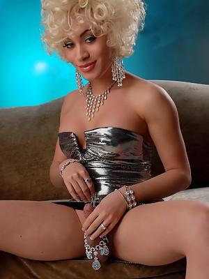 Adorable Mia Isabella Posing As Marilyn Monroe